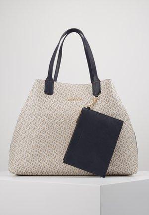 ICONIC TOTE MONOGRAM - Bolso shopping - beige