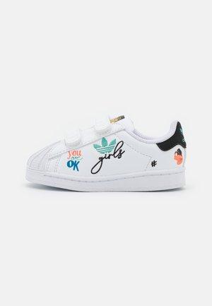 SUPERSTAR PURE UNISEX - Sneakers laag - footwear white/core black/gold metallic