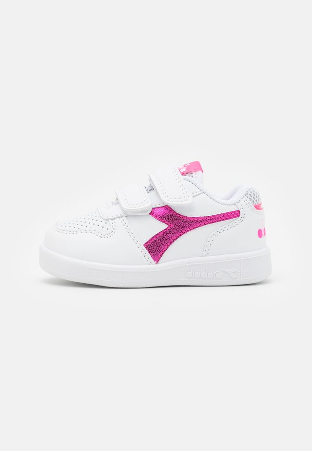 PLAYGROUND GIRL - Sports shoes - white/pink fluo