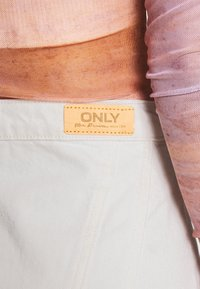 ONLY - ONLRUBY LIFE PANEL - Mini skirt - ecru - 5
