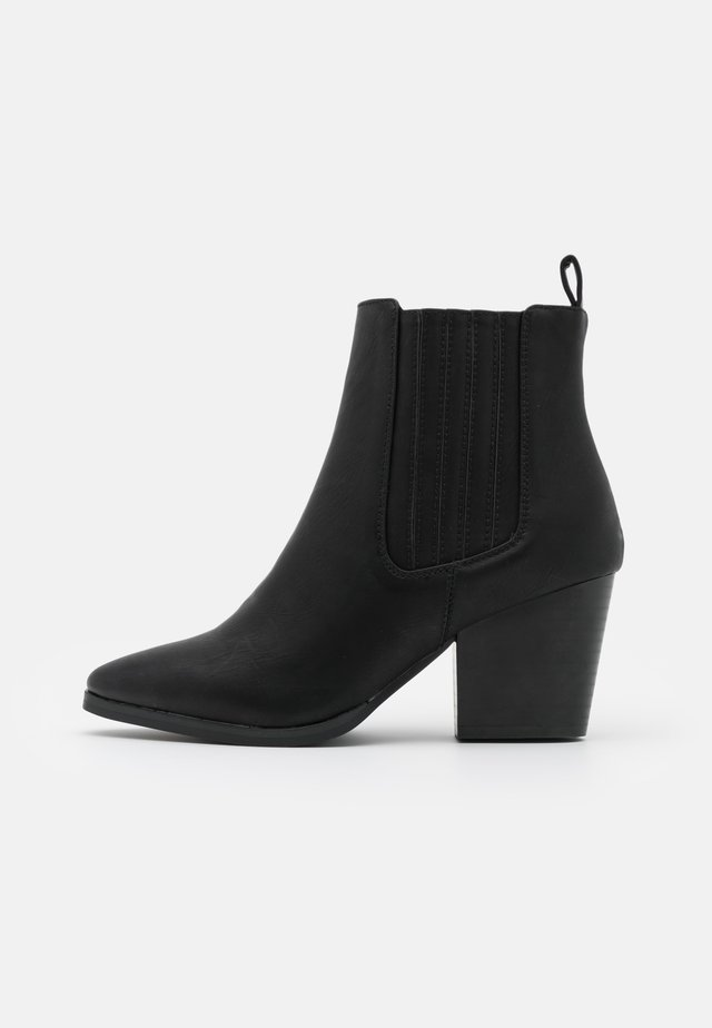 WIDE FIT JOLENE GUSSET BOOT - Stivaletti - black