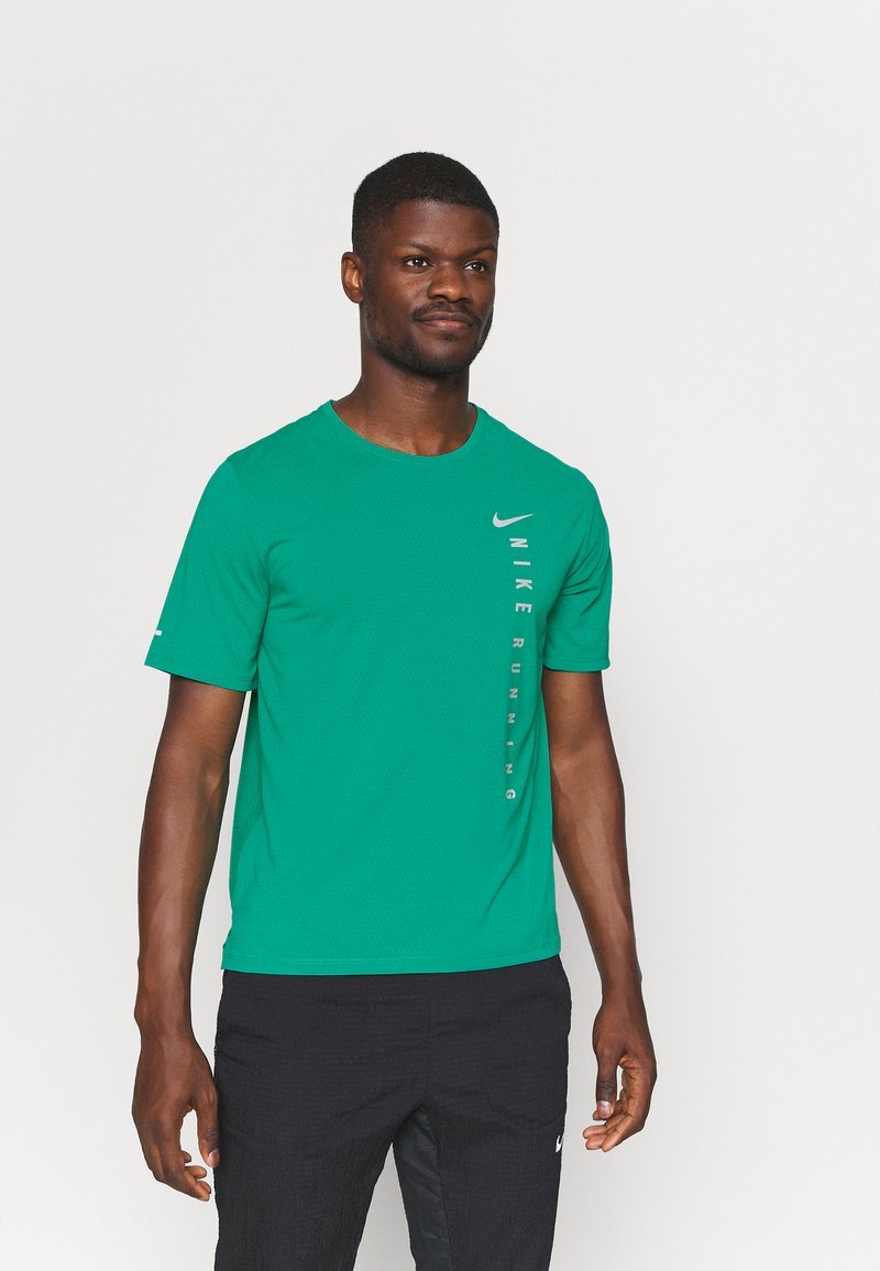 Nike Performance - MILER HYBRID - Printtipaita - neptune green/silver