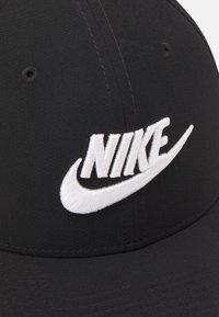 Nike Sportswear - FUTURA UNISEX - Lippalakki - black/white - 3