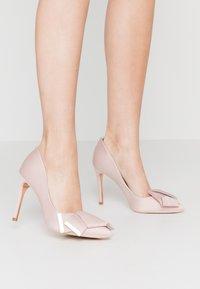 Ted Baker - IINESI - High heels - nude/pink - 0