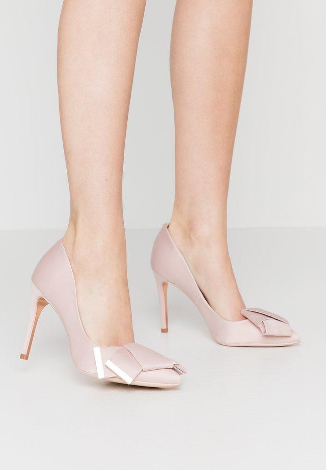 IINESI - Høye hæler - nude/pink