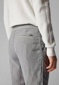BOSS - SYMOON-SHORTS1 - Shorts - grey - 3