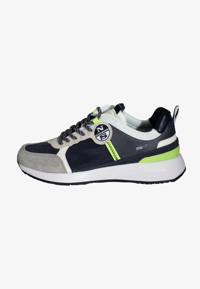 WAVE RW - Sneakers laag - grau