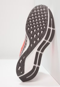 Nike Performance - AIR ZOOM PEGASUS 35 - Zapatillas de running neutras - particle rose/flash crimson - 4