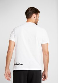 Champion - CREWNECK  - T-shirts print - white - 2