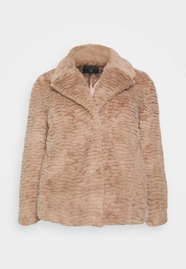 SHORT WIGGLE - Winter jacket - mink