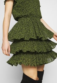 MICHAEL Michael Kors - MINI TIER DRESS - Day dress - black/evergreen - 3