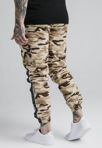 SIKSILK - FITTED TAPED CARGO - Cargo trousers - desert - 2