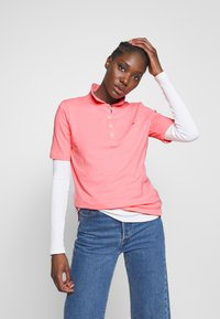 Tommy Hilfiger - TH ESSENTIAL POLO  - Polo shirt - pink grapefruit - 0
