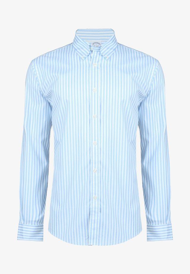 Shirt - light/pastel blue