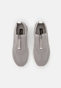 River Island Wide Fit - Baskets basses - grey - 5