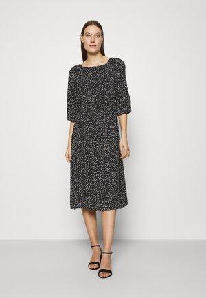 MIDIKLEID - Korte jurk - schwarz/weiß