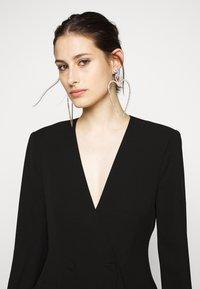 BCBGMAXAZRIA - EVE SHORT DRESS - Etuikjole - black - 4