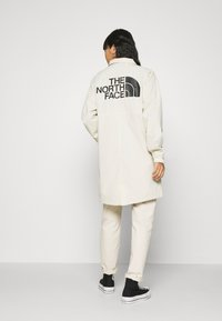 The North Face - TELEGRAPHIC COACHES JACKET - Parka - bleached sand - 2