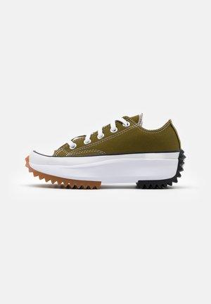 RUN STAR HIKE UNISEX - Sneakers laag - dark moss/white