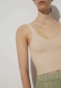 OYSHO - WEICHES  - Top - beige - 3