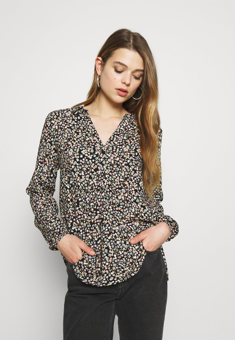 b.young - BYISOLE V NECK BLOUSE - Bluser - black combi