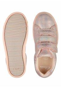 Clarks - CITY OASISLO - Sneakers laag - pink metalic - 3