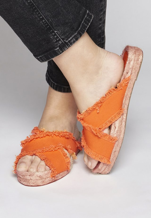 IAMISIA FW - Espadrilles - jaffa orange