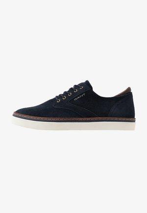 PREPVILLE - Sneakers laag - marine