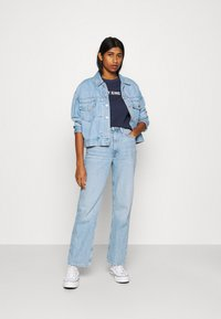Tommy Jeans - CROP TAPE TEE - T-shirts med print - twilight navy - 1
