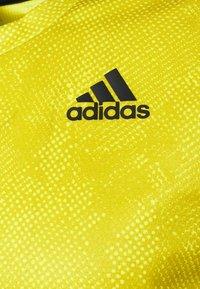 adidas Performance - TEE  - Print T-shirt - aciyel/wilpin - 2
