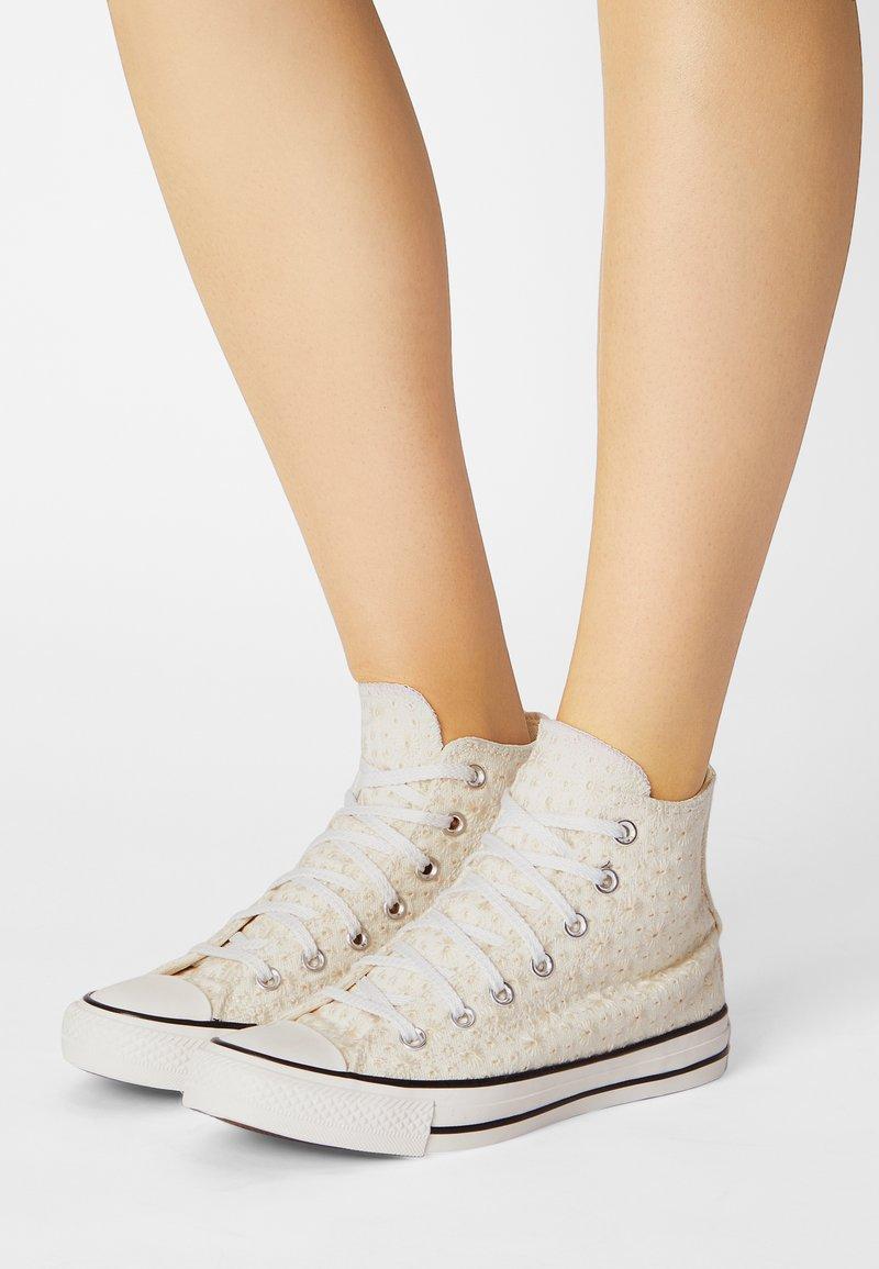 Converse - CHUCK TAYLOR ALL STAR - Zapatillas altas - egret/natural ivory/black