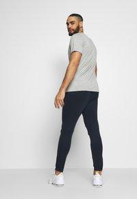 Nike Performance - PANT - Teplákové kalhoty - obsidian/obsidian - 2
