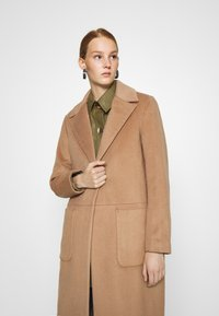 DAY Birger et Mikkelsen - SCAFFOLD NORMAL LENGTH - Classic coat - camel delicious - 4