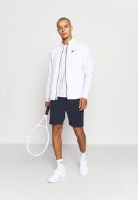 Lacoste Sport - TENNIS SHORT - Urheilushortsit - navy blue/white - 1