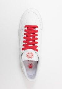 adidas Originals - CONTINENTAL 80 UNISEX - Trainers - footwear white/scarlet - 3