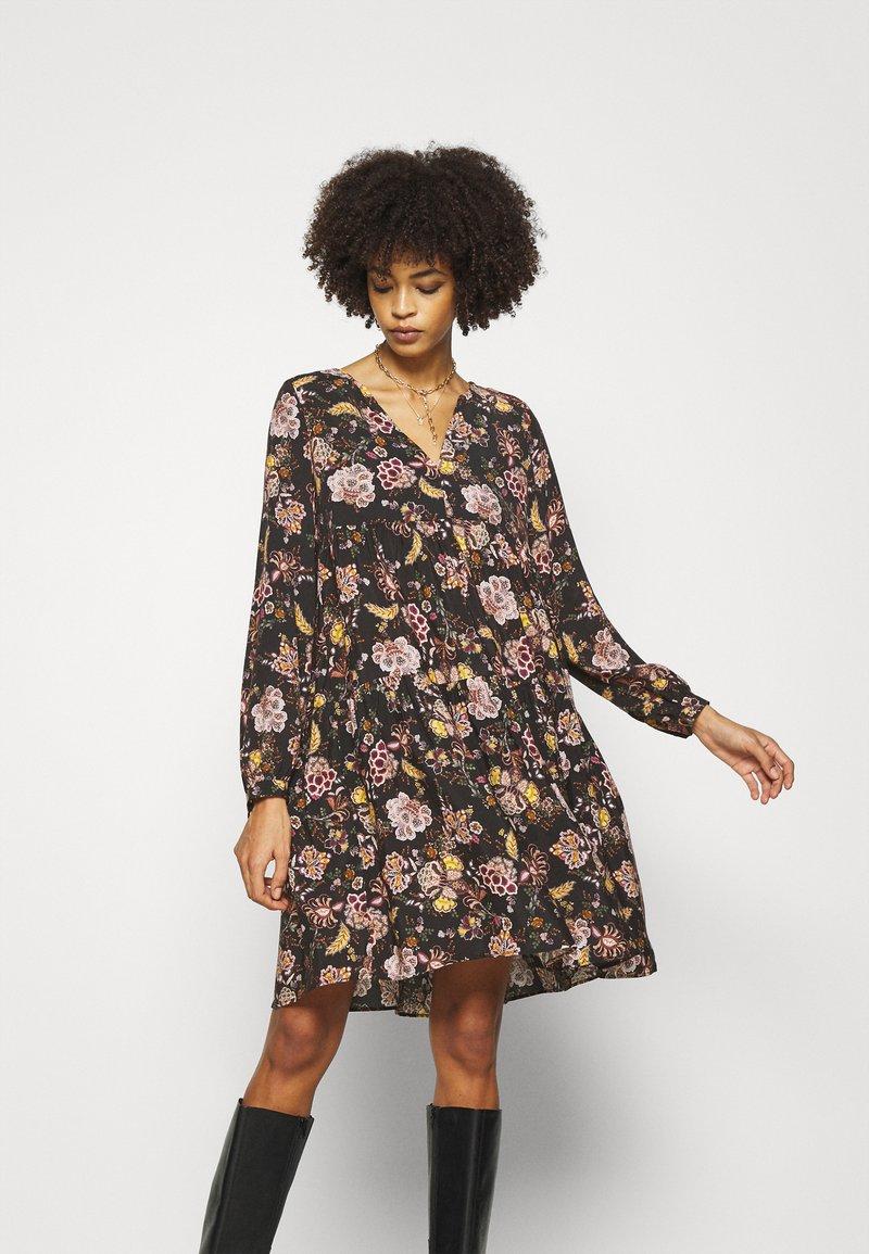 Rich & Royal - Denní šaty - black