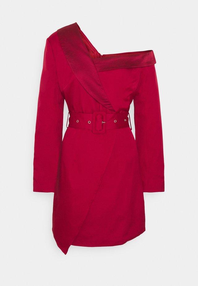 ASYMMETRIC BLAZER DRESS - Cocktailklänning - pink