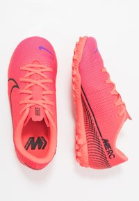 Nike Performance - MERCURIAL JR VAPOR 13 ACADEMY TF UNISEX - Astro turf trainers - laser crimson/black - 0