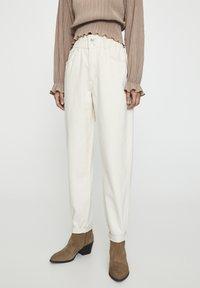 PULL&BEAR - Jeans a sigaretta - sand - 0