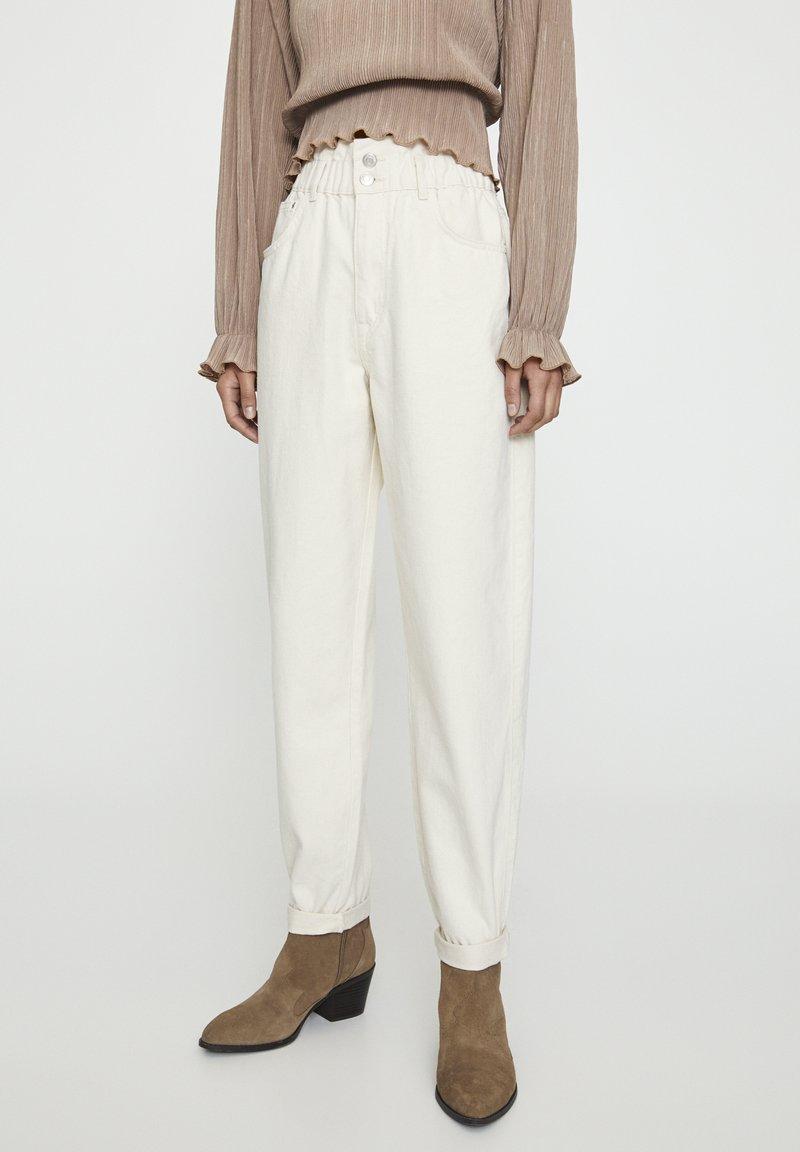 PULL&BEAR - Jeans a sigaretta - sand