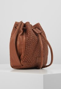 Liebeskind Berlin - SABELTBAG - Across body bag - medium brown - 4