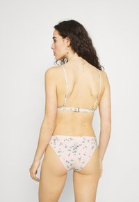 Billabong - LIKE A BEACH - Bikini top - peony - 2