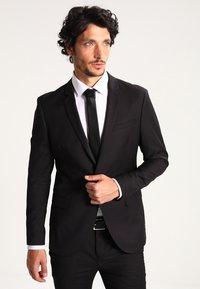 KIOMI - Kostym - black - 2