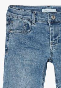 Name it - NKMSOFUS LONG - Jeansshort - light blue denim - 2