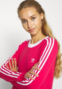 adidas Originals - Long sleeved top - power pink/white