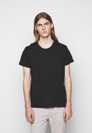 ZACH - Basic T-shirt - black