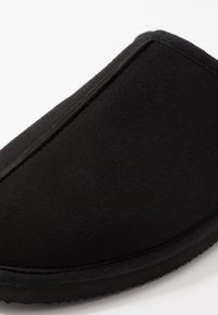 Jack & Jones - JFWDUDELY - Slippers - anthracite - 5
