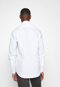 Tommy Hilfiger Tailored - OXFORD BUTTON DOWN SLIM SHIRT - Formal shirt - white - 2