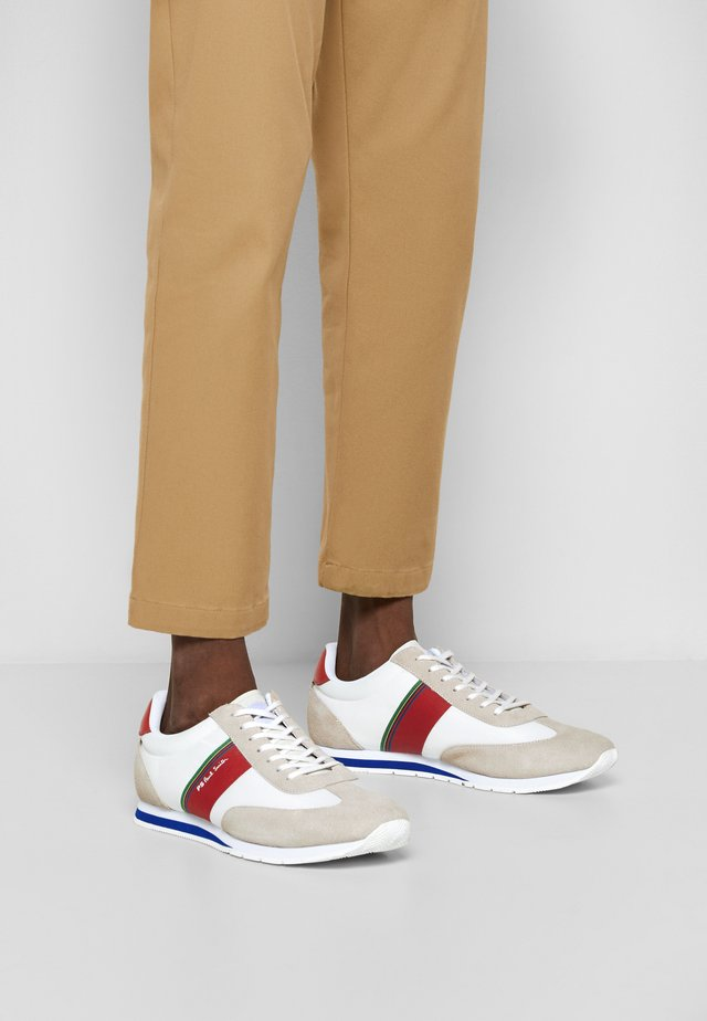 PRINCE - Trainers - white/red