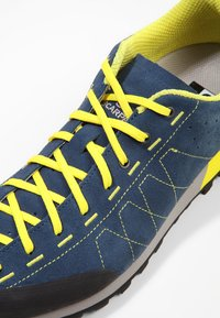 Scarpa - HIGHBALL   - Hiking shoes - ocean/bright yellow - 5